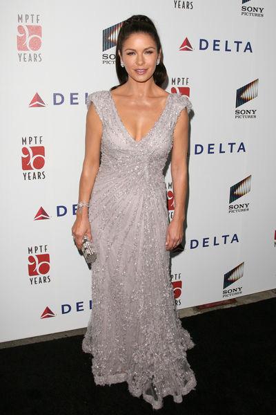 Катрин_Зета-Джонс в шикарном платье