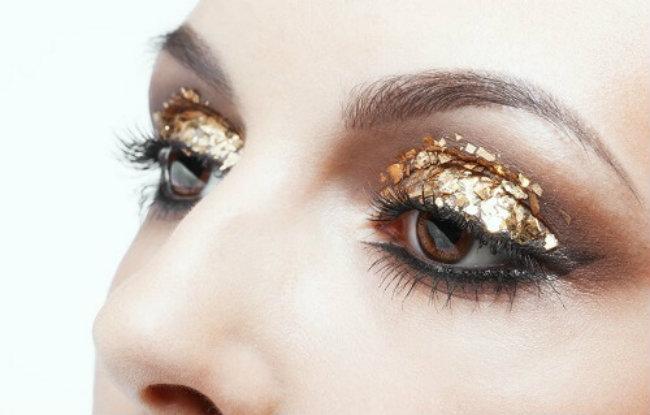 золотой блеск в новогоднем макияже