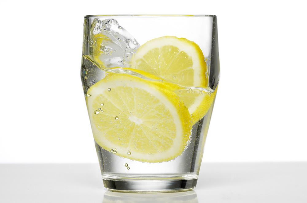 стакан воды для поддержания себя в форме