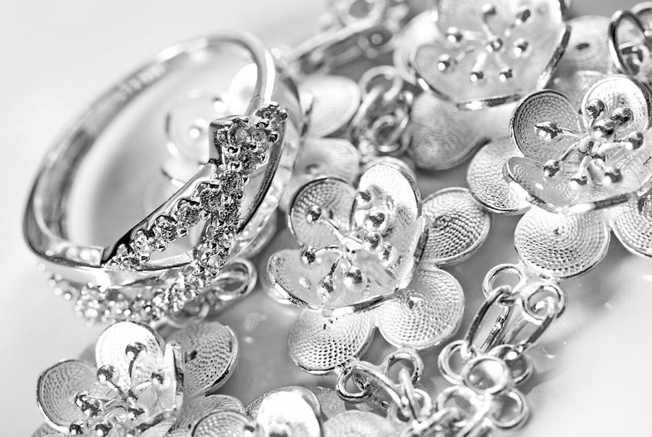 с чем носить серебро