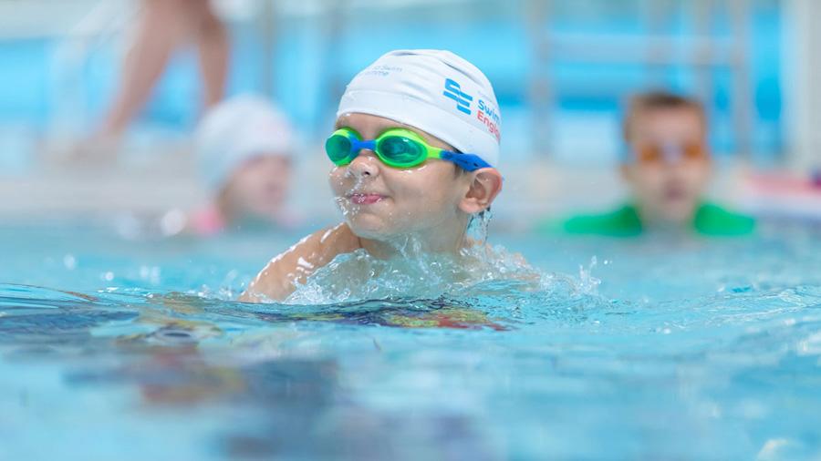 чем полезно плавание для детей